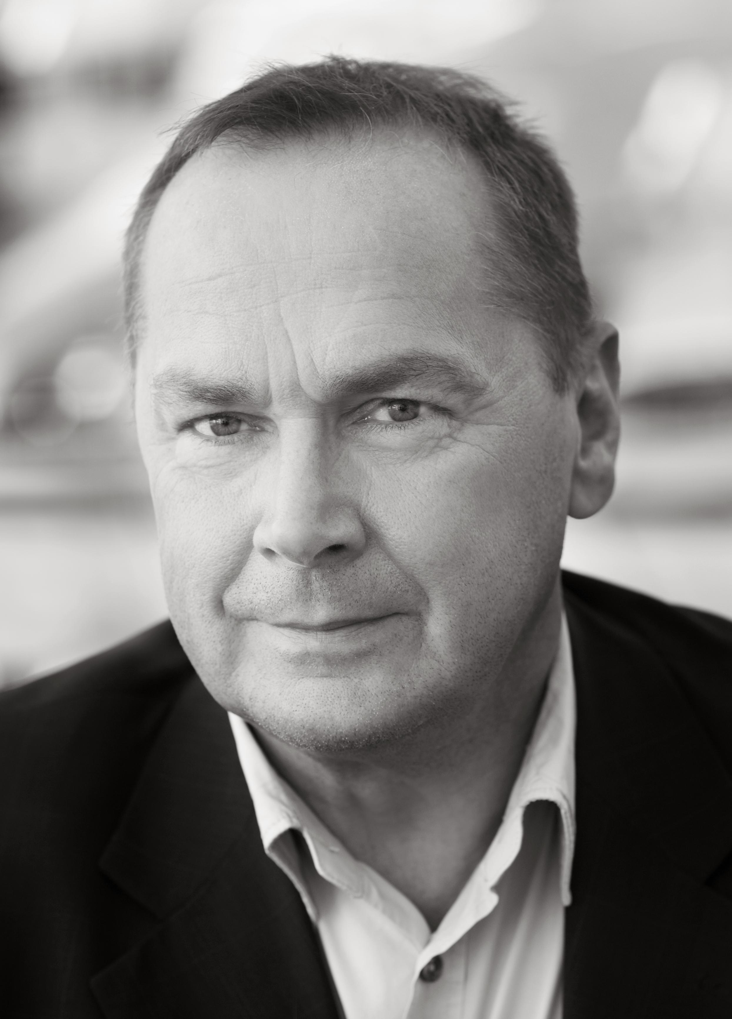 Lars Gundhe, VD
